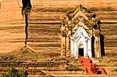 Myanmar (Burma), Sagaing, Mingun, Mingun Pagode, begann den Bau im Jahre 1790 unter dem Befehl von König Bodawpaya war aber nie fertig