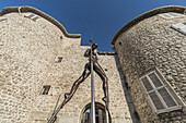 Skulptur von Nicolas Laverenne, Altstadt Antibes, Cote d Azur, Frankreich (nur redaktionelle Verwendung)