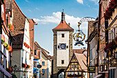 The famous photo motive Ploenlein with the tower Siebersturm, Rothenburg ob der Tauber, Bavaria, Germany