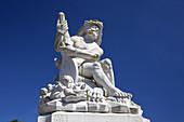 Skulptur am Schloss Augustusburg in Brühl, Mittelrheintal, Nordrhein-Westfalen, Deutschland, Europa