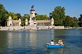 Boating lake, Retiro, Alfonso XII Monument, Madrid, Spain, Europe