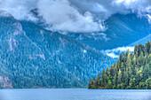 Crime Lake, Aurora Ridge im Hintergrund, Olympic National Park, UNESCO Weltkulturerbe, Washington, Vereinigte Staaten von Amerika, Nordamerika