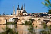 Blois, Loire River, Saint Nicolas Church, Jacques Gabriel Bridge, Pont Jacques Gabriel, Loire et Cher, Pays de la Loire, Loire Valley, UNESCO World Heritage Site, France.