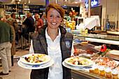 Waitress in the Fisch Witte Bistro, Viktualienmarkt, Munich, Upper Bavaria, Bavaria, Germany