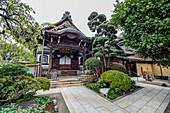 A small temple in Yanaka, Taito-ku, Tokyo, Japan