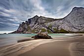 Strand, Sand, Berge, Meer, Bunes, Moskenesoya, Lofoten, Nordland, Norwegen, Europa