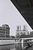 1961, couple, Seine, Seinebanks, Notre Dame, Paris, France