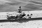 1959, bath scene, Seine bank, Paris, France