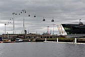 An Bord Emirates Air Lines Seilbahn 'Flying Eye', Docklands, London, England