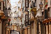 Alley in the old town, Cadiz, Costa de la Luz, Atlantic Ocean, Cadiz, Andalucia, Spain, Europe