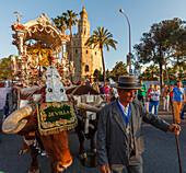 Simpecado cart, Torre del Oro, return to Sevilla, El Rocio, pilgrimage, Pentecost festivity, Huelva province, Sevilla province, Andalucia, Spain, Europe