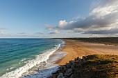 coastline and beach, Cabo de Trafalgar near Los Canos de Meca near Vejer de la Frontera, Costa de la Luz, Atlantic Ocean, Cadiz province, Andalucia, Spain, Europe
