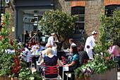 Terrasse des The Modern Pantry Restaurant, St. John's Square, Clerkenwell, London, England