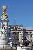 Queen Victorial Memorial und Buckingham Palace, Westminster, London, England