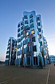 Neuer Zollhof (Architect: F.O. Gehry), Medienhafen, Duesseldorf, North Rhine-Westphalia, Germany