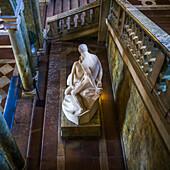 'Skulptur eines nackten Mannes und einer Frau; Stockholm, Schweden'