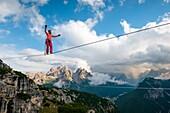 Monte Piana,Auronzo,Misurina,Dolomiti,Veneto,Italy, Faith Dickey doing an Highline (slackline).