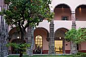 Mexico, State of Guanajuato, San Miguel de Allende, Patio of the Cultural Center El Nicromante, old cloister, Fine arts