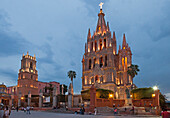 Mexico, State of Guanajuato, San Miguel de Allende, San Miguel Arcangel Cathedral, Neogothic style, late 19th century et San Rafael church