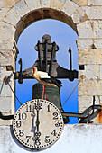 Portugal, Algarve. Faro. Arco da Vila (City's Arch). Entrance door leading to the old city. Stork.