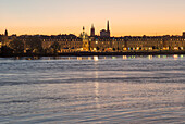 France, South-Western France, Bordeaux, Garonne river, view of the town