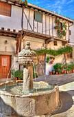 Plaza de la Fuente de los Chorros, Cuacos de Yuste, Cáceres, Extremadura, Spain