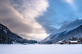 Germany, Bavaria, Alps, Oberallgaeu, Oberstdorf, Winter landscape, Winter holidays, Snow, Mountains, Coniferous forest, Mountain farms in snow
