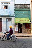 cafe Revolucion, colonial town, Santa Clara, family travel to Cuba, parental leave, holiday, time-out, adventure, Santa Clara, province Villa Clara, Cuba, Caribbean island