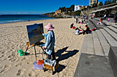 Artist at Coogee Beach in the southeast of Sydney, Sydney, New South Wales, Australia
