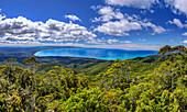 Panorama from Hump Ridge towards mountain forest and Tasman Sea, Hump Ridge, Hump Ridge Track, Fiordlands National Park, UNESCO world heritage Te Wahipounamu, Southland, South island, New Zealand