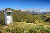Open toilette on mountain summit, Kepler Track, Great Walks, Fiordland National Park, UNESCO Welterbe Te Wahipounamu, Southland, South island, New Zealand