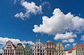 new market, gabled houses, Giebelhaeuser, Rostock , Mecklenburg-Vorpommern, East Germany