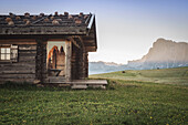 Alpe di Siusi/Seiser Alm, Dolomites, South Tyrol, Italy, Sunrise on the Alpe di Siusi