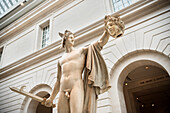 Statue in the Metropolitan Museum of Art, 5th Ave, Manhattan, NYC, New York City, United States of America, USA, North America