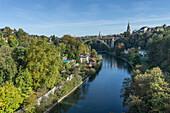 Bern im Herbst, Fluss Aare, Schweiz