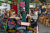 Boroughs market, market stall with alcehol, Sangria, Prosecco, wine, London, UK