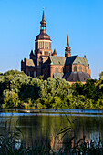 St. Mary's Church with pond, Stralsund, Baltic Sea coast, Mecklenburg-Vorpommern, Germany