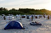 Strandmuschel with people on the beach of Ahlbeck, Usedom, Ostseeküste, Mecklenburg-Western Pomerania, Germany