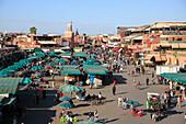Jemaa el Fna (Djemaa el Fnaa) Square, UNESCO World Heritage Site, Marrakesh (Marrakech), Morocco, North Africa, Africa