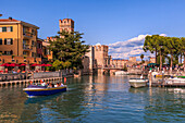 View of Scaliger Castle, Sirmione on Lake Garda, Lombardy, Italian Lakes, Italy, Europe