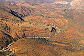 From the air the geological structur of the desert mountains is revealed