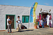 Musicians at Sundays' market at Teguise, Atlantic Ocean, Lanzarote, Canary Islands, Islas Canarias, Spain, Europe