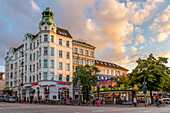Buildings at the junction of Reeperbahn and Davidstrasse at sunset, Hamburg, Germany, Europe