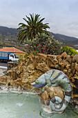 chameleon, sculpture by the artist Luis Morera, La Glorieta, parc, square, Las Manchas, UNESCO Biosphere Reserve, La Palma, Canary Islands, Spain, Europe
