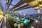 Attitude Skybar, Hotel Avani, skyline view point, skybar, Lounge, rooftop, bar, Bangkok, Thailand
