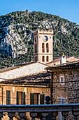 Kirche und Altstadt, Tramuntana Gebirge, Pollenca, Mallorca, Spanien