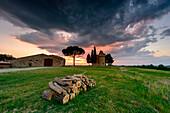 Church Vitaleta at sunset, Orcia Valley, Siena district, Tuscany, Italy.