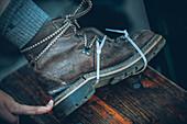 Broken mountain shoe with cable ties, E5, Alpenüberquerung, 4th stage, Skihütte Zams,Pitztal,Lacheralm, Wenns, Gletscherstube, Zams to  Braunschweiger Hütte, tyrol, austria, Alps