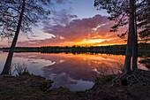 midnightsun at lake Norvajärvi, north of Rovaniemi, Finnland