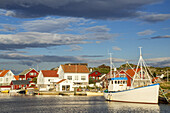 Houses and harbour on the isle Kvitsøy, Rogaland, Fjord norway, Southern norway, Norway, Scandinavia, Northern Europe, Europe